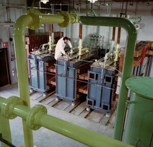 A picture of an engineer working on Hydrogen Optimized lab equipment